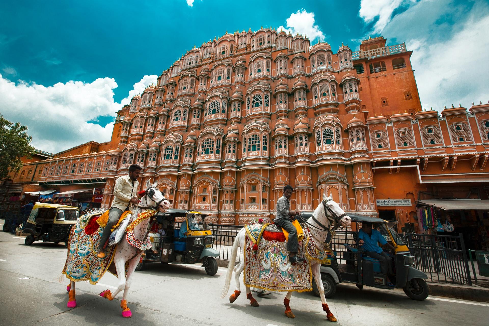 الثقافة الهندية بجانب قصر هوا محل