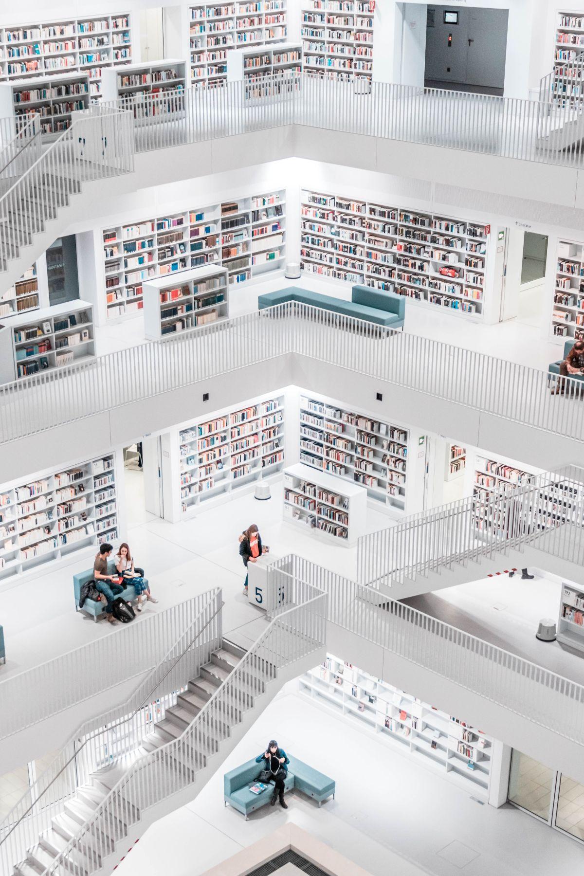 صور سفر، أجمل المكاتب في العالم، مكتبة مدينة شتوتغارت، ألمانيا