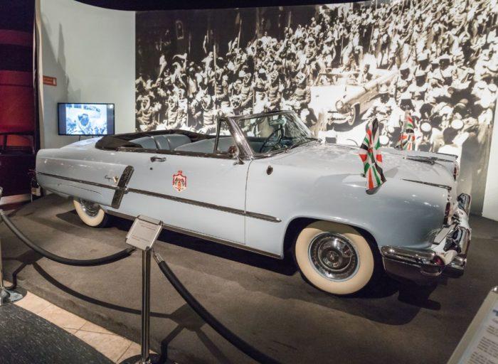 صور سفر عمان، أفضل المعالم السياحية في عمان، متحف السيارات الملكي