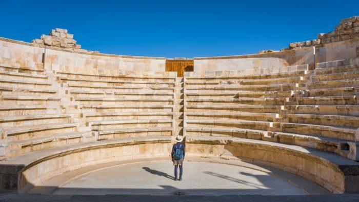 صور سفر عمان، أفضل المعالم السياحية في عمان، مسرح الأوديون