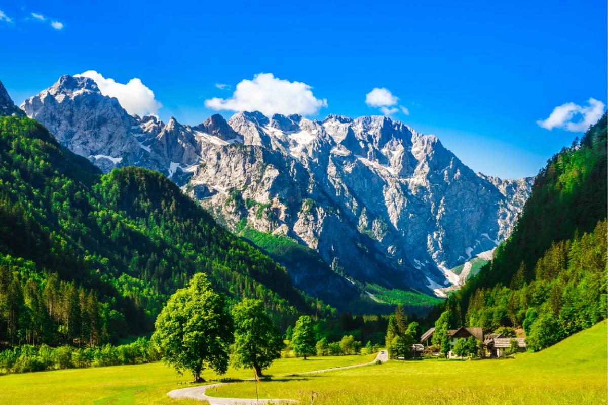 وادي لوجار ، السياحة في سلوفينيا